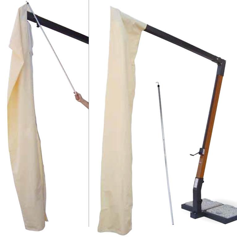 Grand parasol d port pour terrasse restaurant en alu gris - Housse de protection pour parasol deporte ...