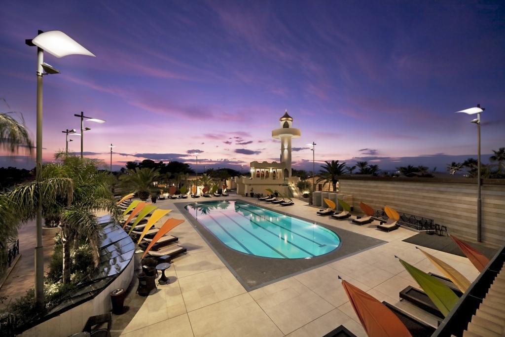 parasol design hotel 5 étoiles