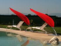 parasol design plage de piscine hotel