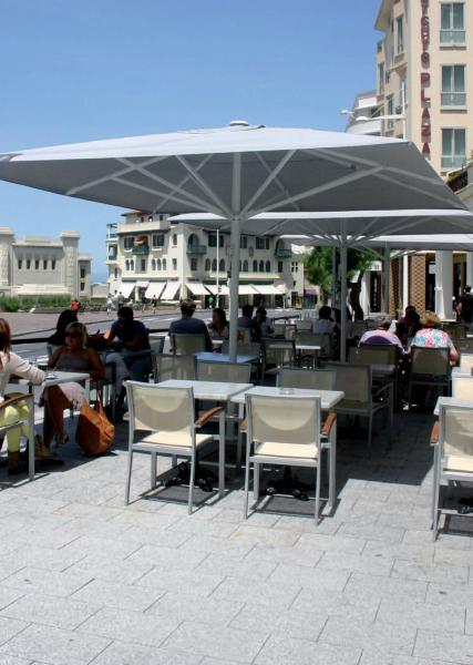 maxisoco-grand-parasol-restaurant-2.jpg