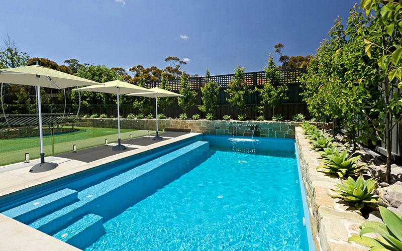 rand-zwembad-naturel800.jpg