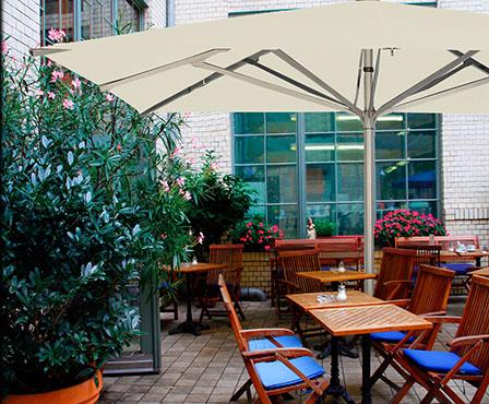 parasol terrasse bar crêperie restraurant hôtel