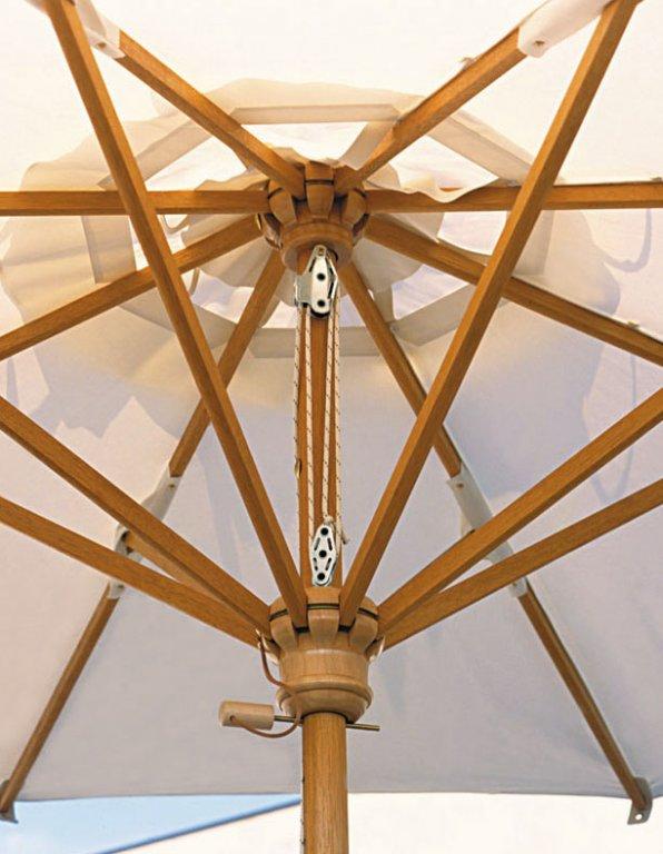 Parasol en bois de qualité pour restaurant, terrasse, hotel