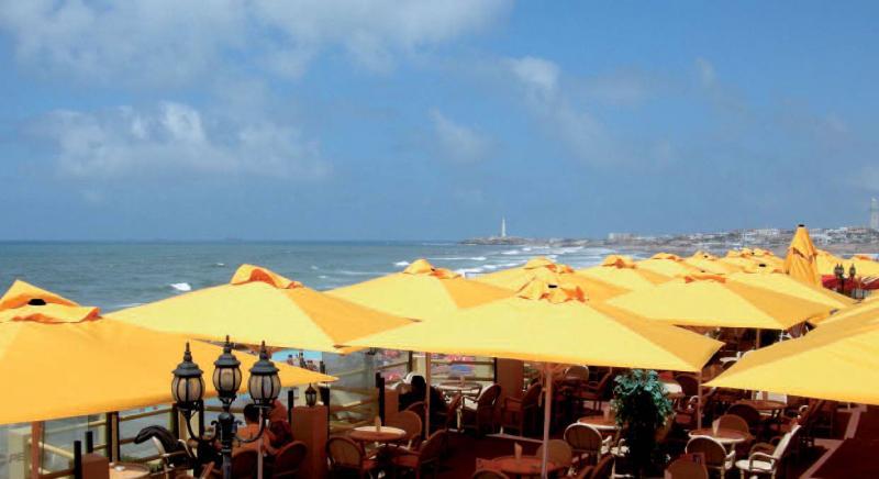 minisoco-parasol-terrasse-restaurant3.jpg