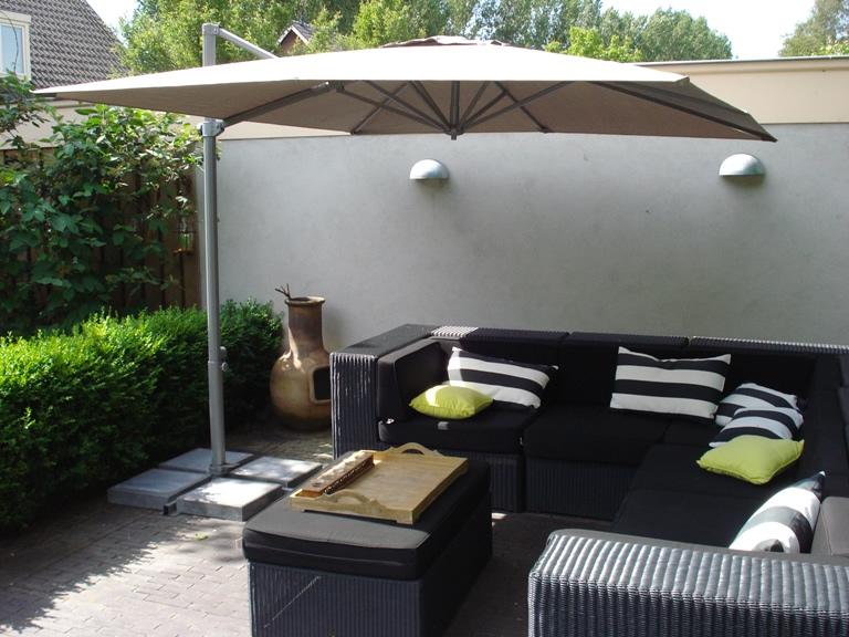 parasol déporté pour terrasse