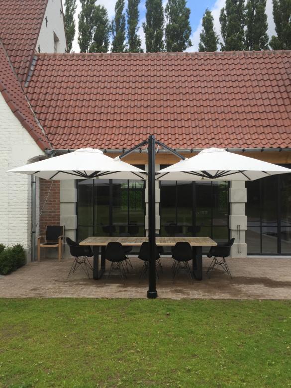 parasol mat déporté 4 toiles
